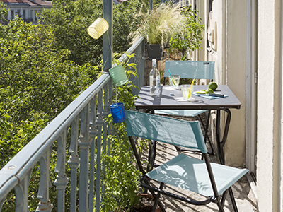 Find furniture by LAFUMA Mobilier to set up your small balcony
